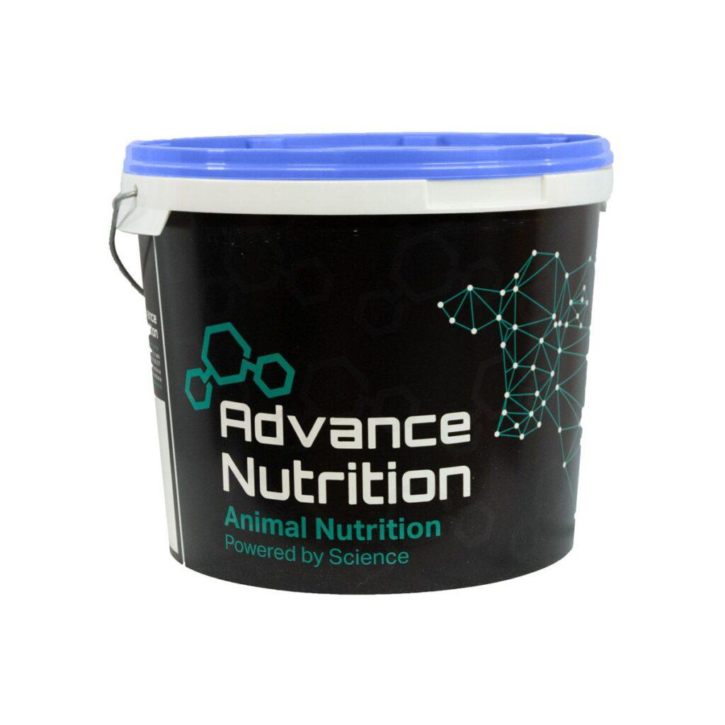 dairy-hybrid-bucket-pre-post-calving-advancenutrition